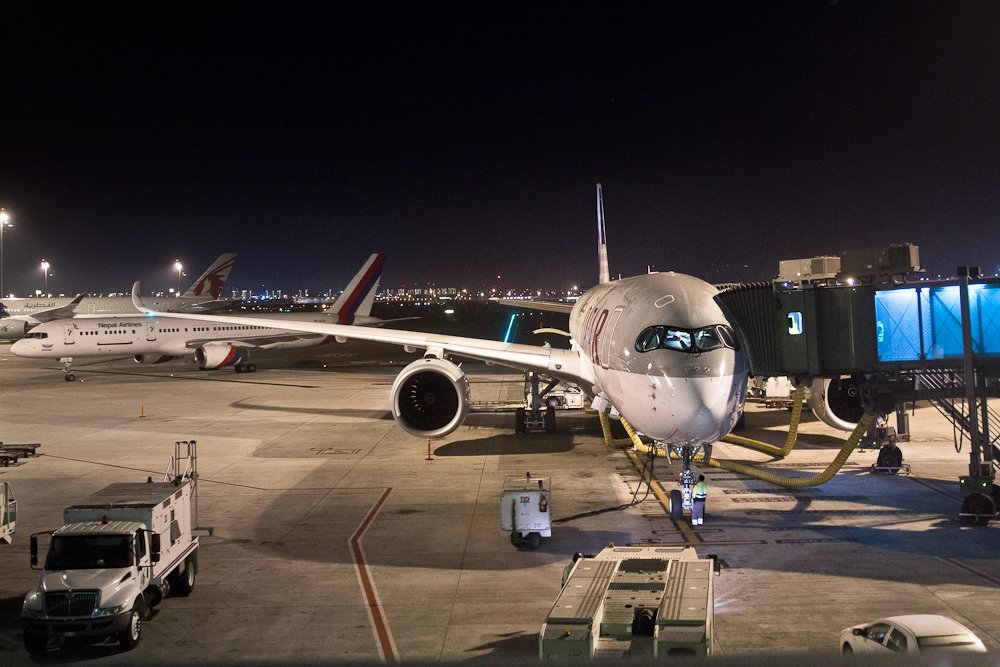 Airbus A350 Qatar Airways Doha Hamad International Aiport