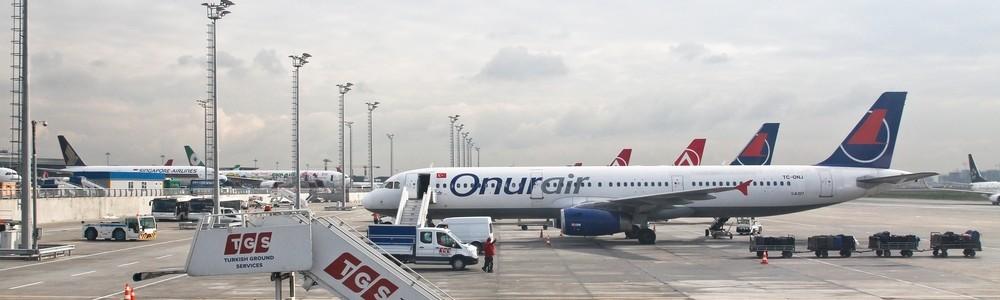 onurair Flughafen Atatürk Istanbul Apron Vorfeld