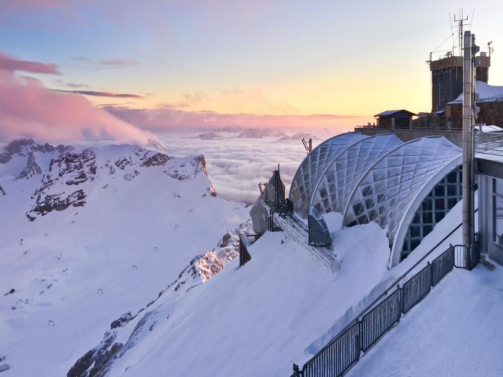 Aussichtsterrasse Zugspitze Sonnenuntergang