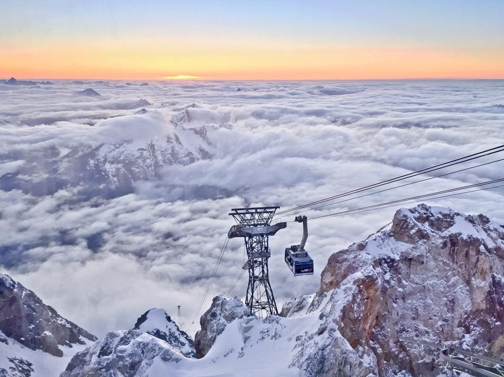 Zugspitze Seilbahn Sonnenuntergang