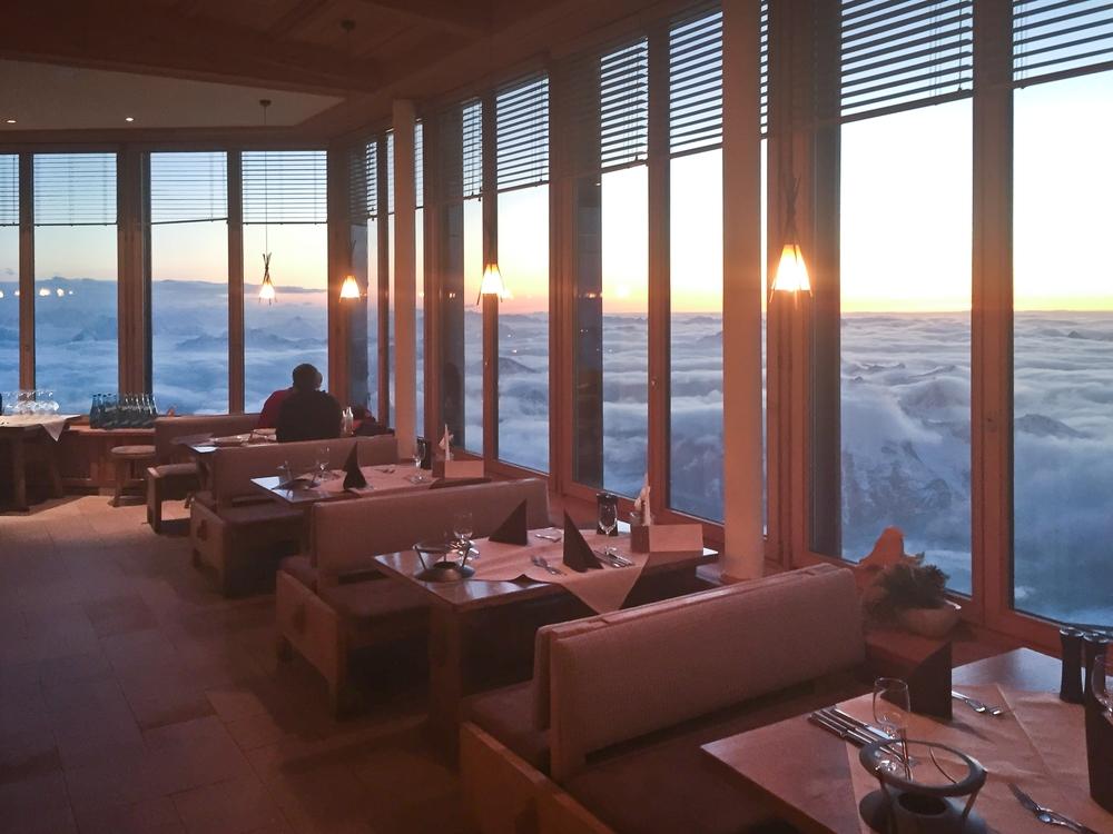 Fondue Essen Restaurant Gipfel Zugspitze