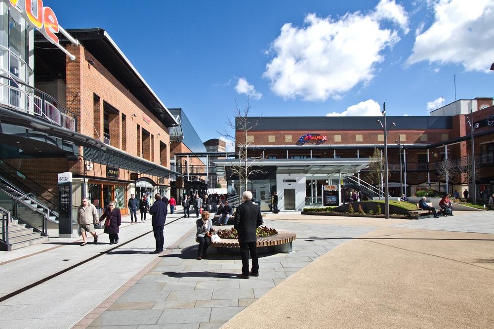 Portmouth Gunwharf Quays Shopping Center Mall