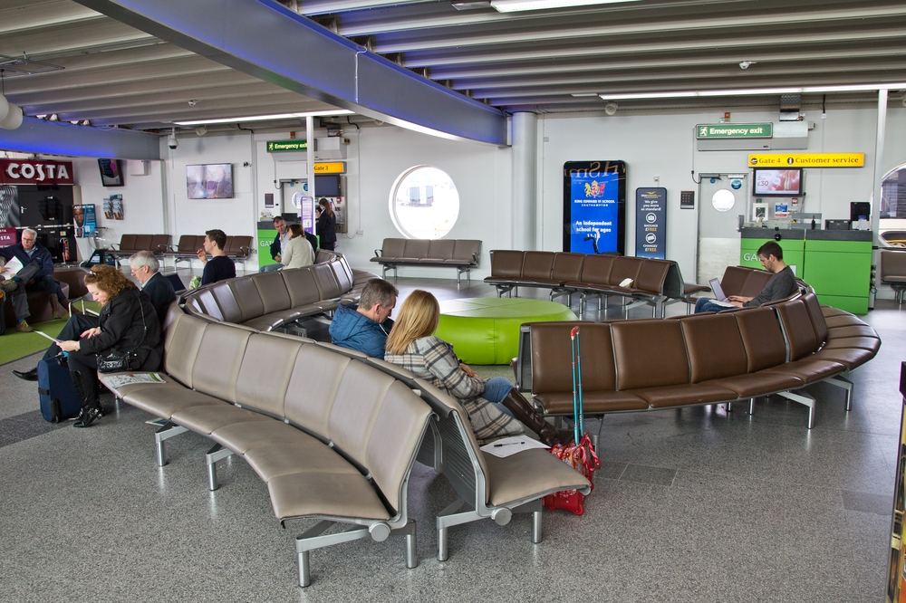 Southampton Airport Terminal Depature Abflug