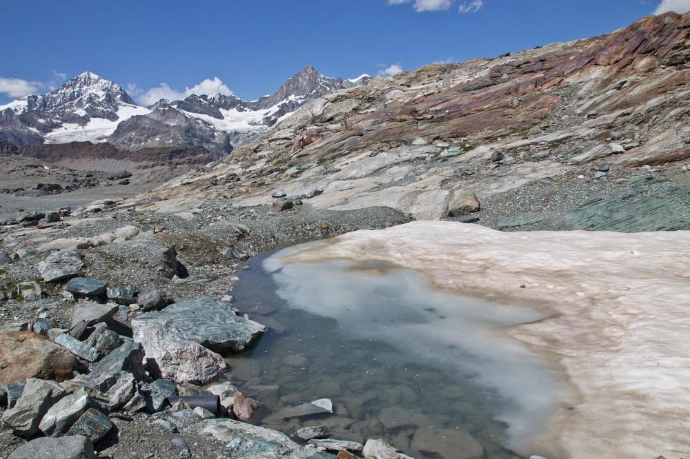 Trockener Steg Schnee Eis Wallis
