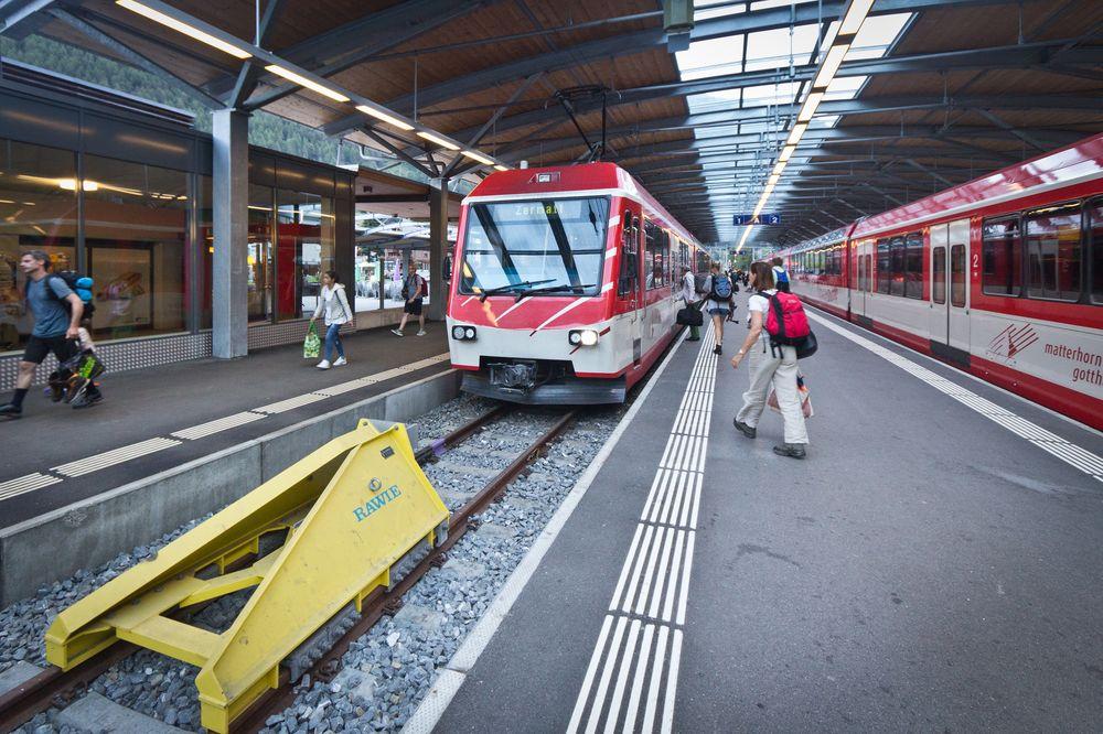 Matterhorn Gotthardbahn Täsch nach Zermatt