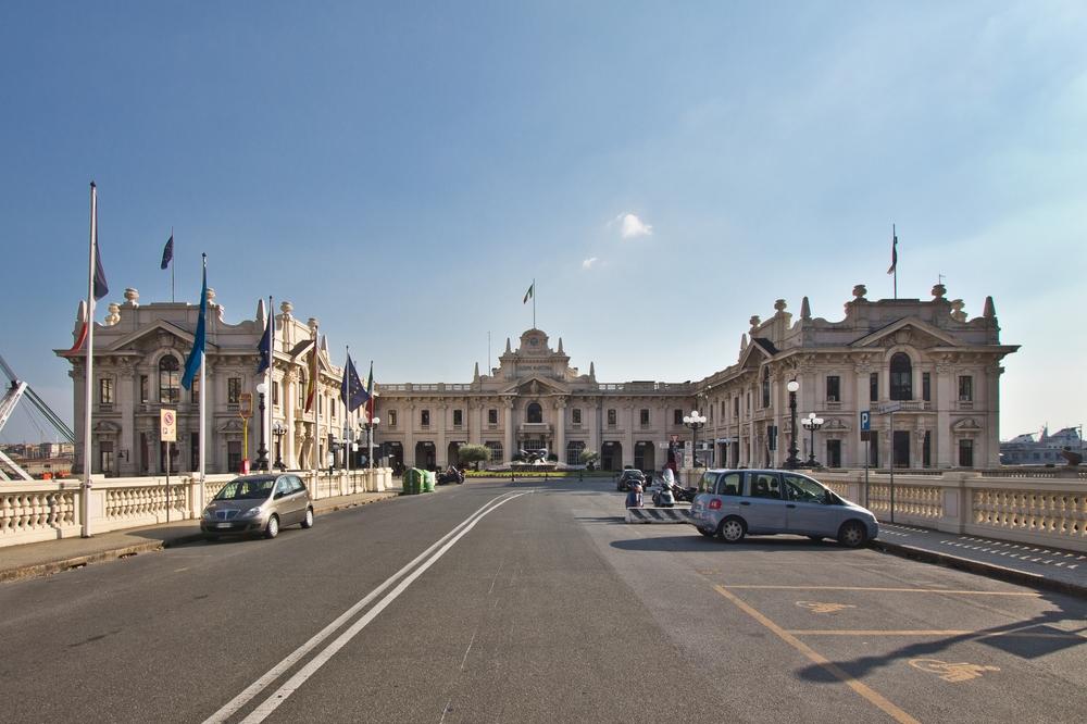 Terminal Ponte dei Mille Kreuzfahrt Hafen Genua