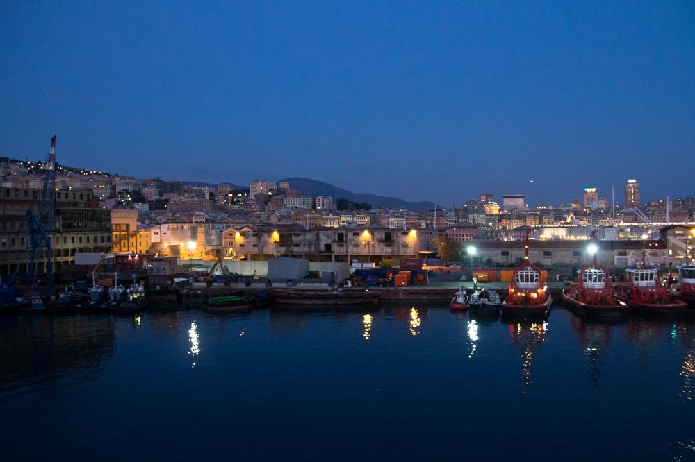 Hafen Genua Blaue Stunde