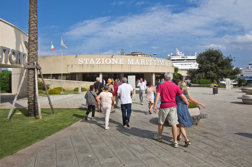 Stazione Marittima Oblia Hafen Kreuzfahrt