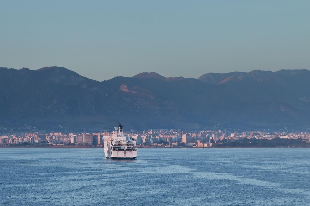 Hafen Palermo Einfahrt