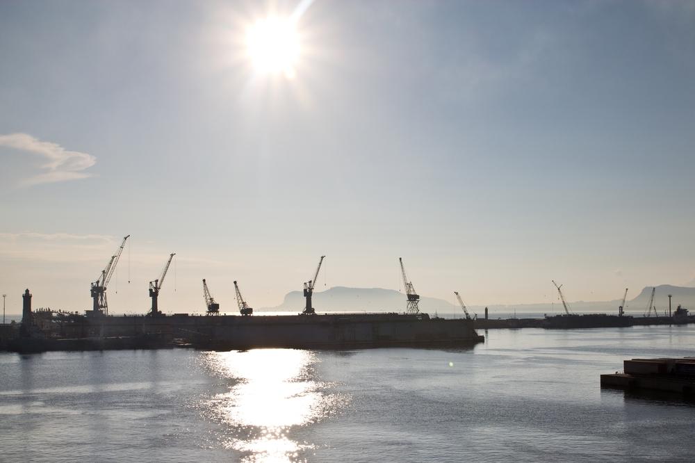 Hafen Palermo Gegenlicht