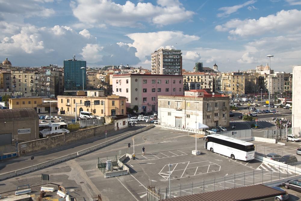 Hafen Neapel Kreuzfahrt MS Astor
