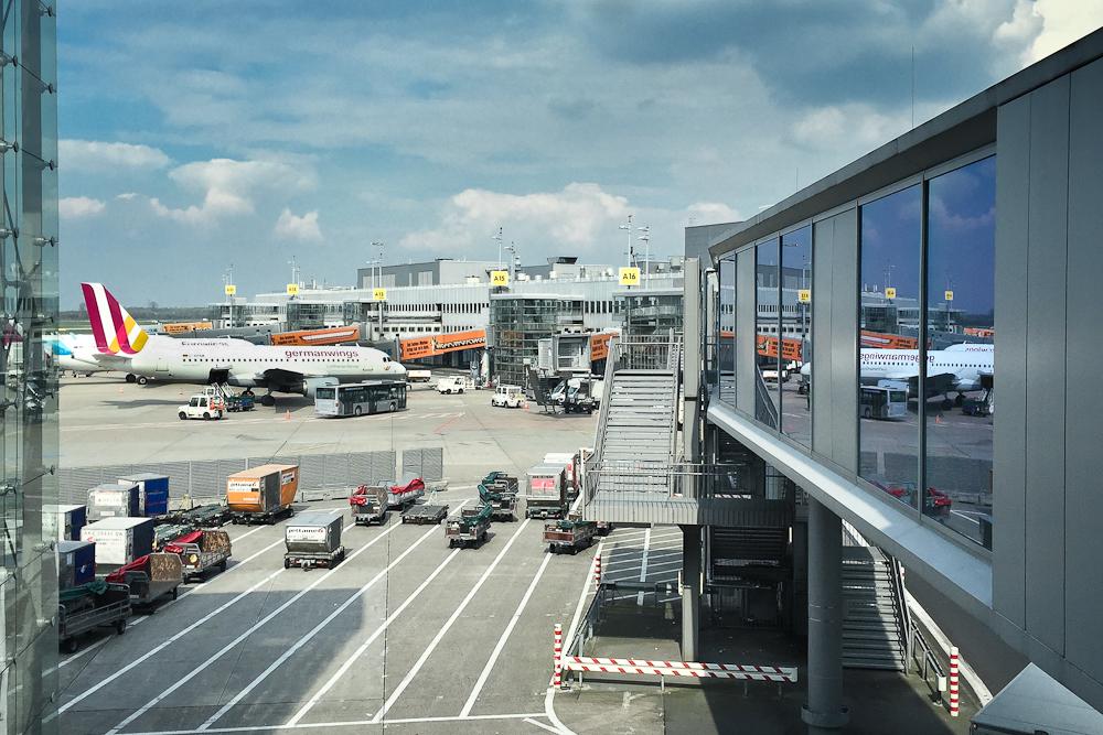 Airport Lounge Check Hugo Junkers Lounge Flughafen Dusseldorf