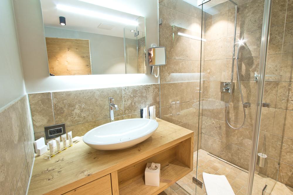 Das Central Sölden Suite Badezimmer Zimmer