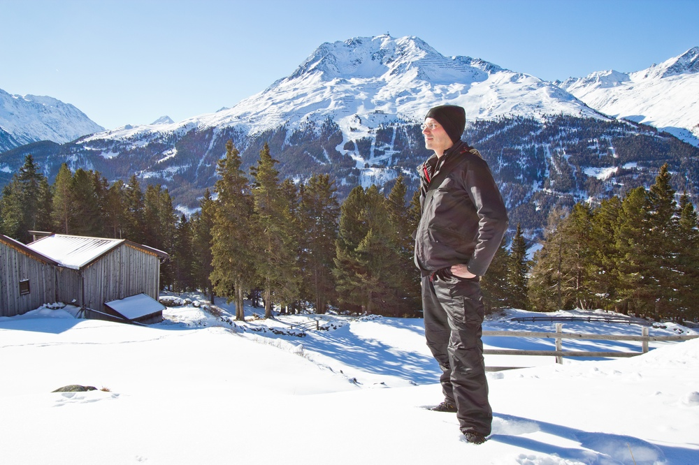 Reiseblog Reiseblogger Wanderung Outdoor Blogger Schnee Schlitten Rodeln