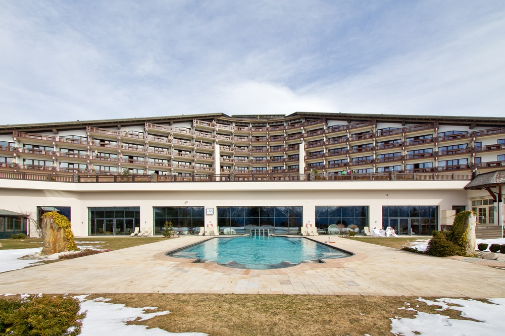 Interalpen-Hotel Tyrol  Pool Außenpool Swimming