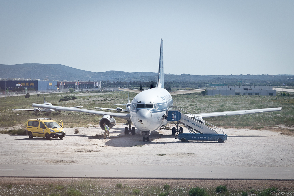 SX-BCL Olympic Airways Boeing 737-200 Athen Airport