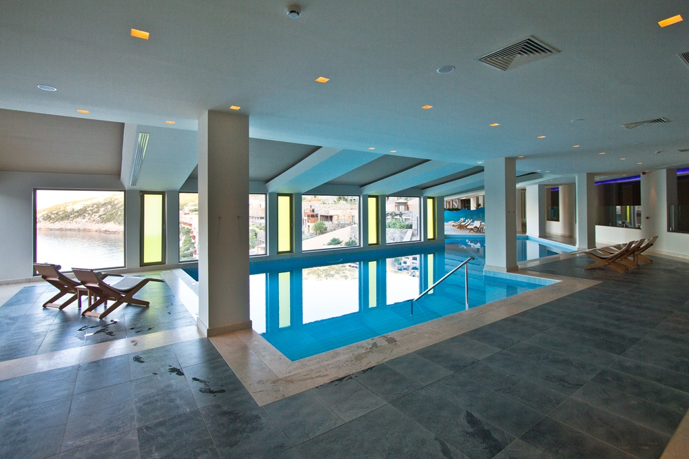 Indoor Pool - Daios Cove Hotel Kreta Luxus