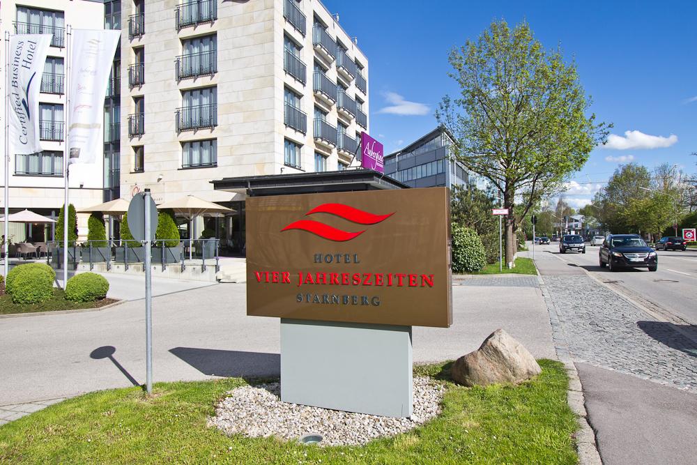 Hotel Vier Jahreszeiten Starnberg Eingang Schild
