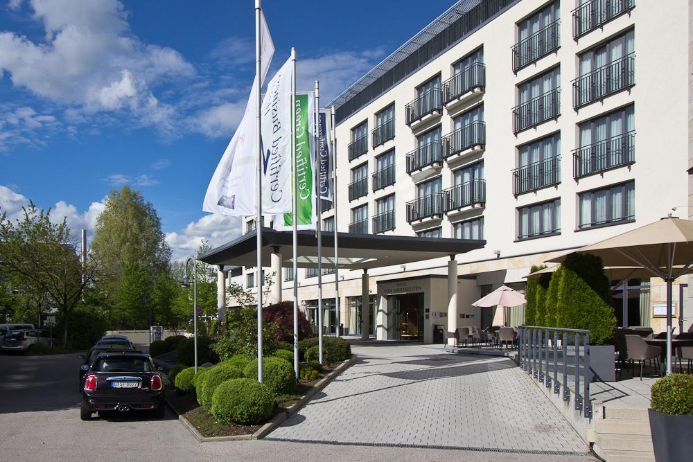 Fassade Außenansicht Hotel Vier Jahreszeiten Starnberg